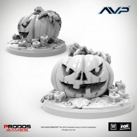 AvP: The Hunt Begins - Trick or Hug Limited Miniature